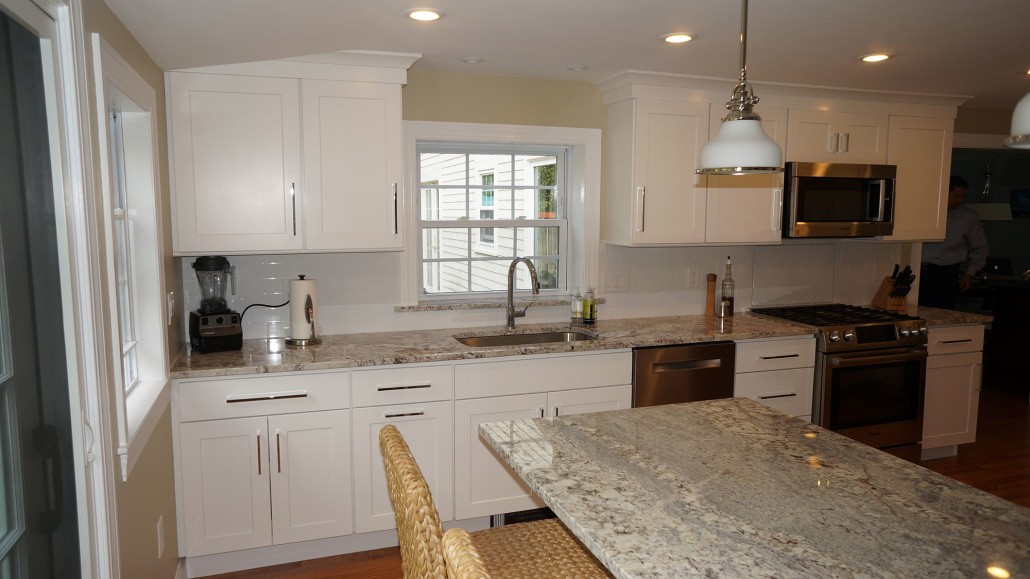 Barrington ri kitchen countertop center of new england for Patete kitchen bath design center reviews