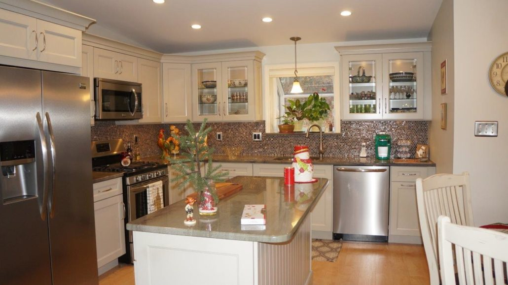 Exeter ri kitchen countertop center of new england for Kitchen design exeter