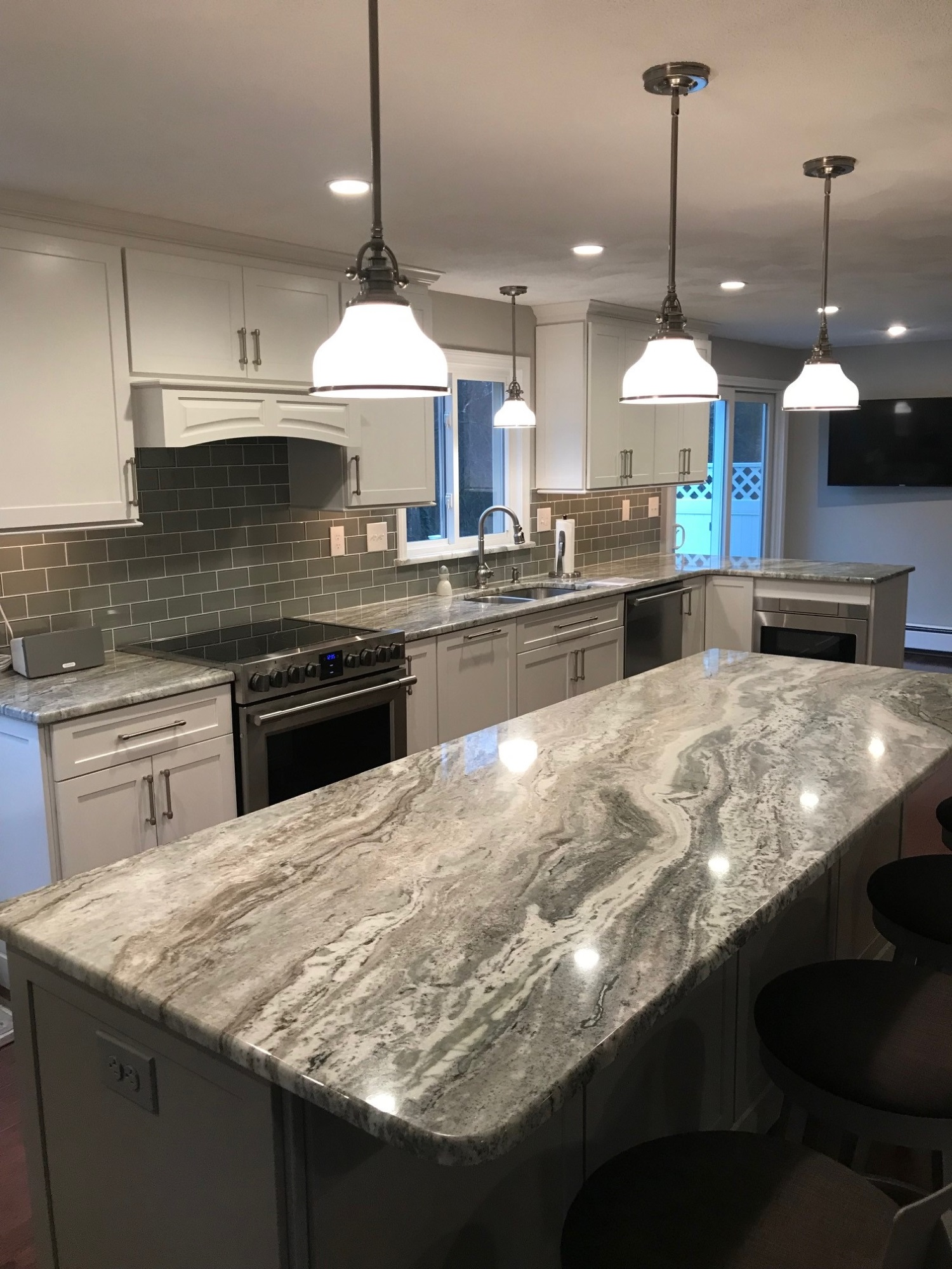 North attleboro ma kitchen countertop center of new england for Patete kitchen bath design center reviews